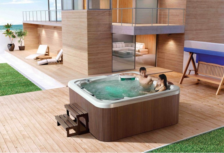 spa jacuzzi exterior at 014